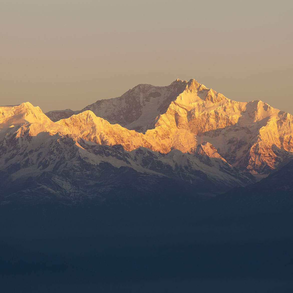 Personalized Panoramas: Exploring Himalayas By Private Jet