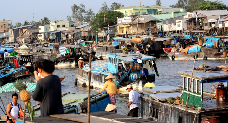 Bustling Mekong life at Can Tho, Vietnam