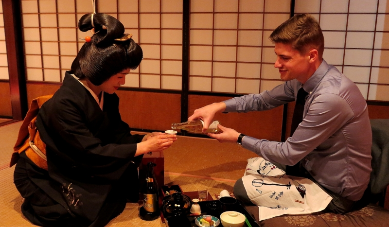 It's traditional to thank a geisha with sake