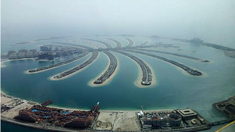 Palm Jumeirah, the smallest and the original of the three man-made Palm Islands (also where I spent my first 2 nights in Dubai – it was a marvelous beach stay)