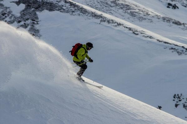 5 GoPro-Worthy Asian Skiing Destinations