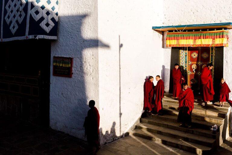 7-Monks-outside-the-Tawang-Monastery-Gompa-