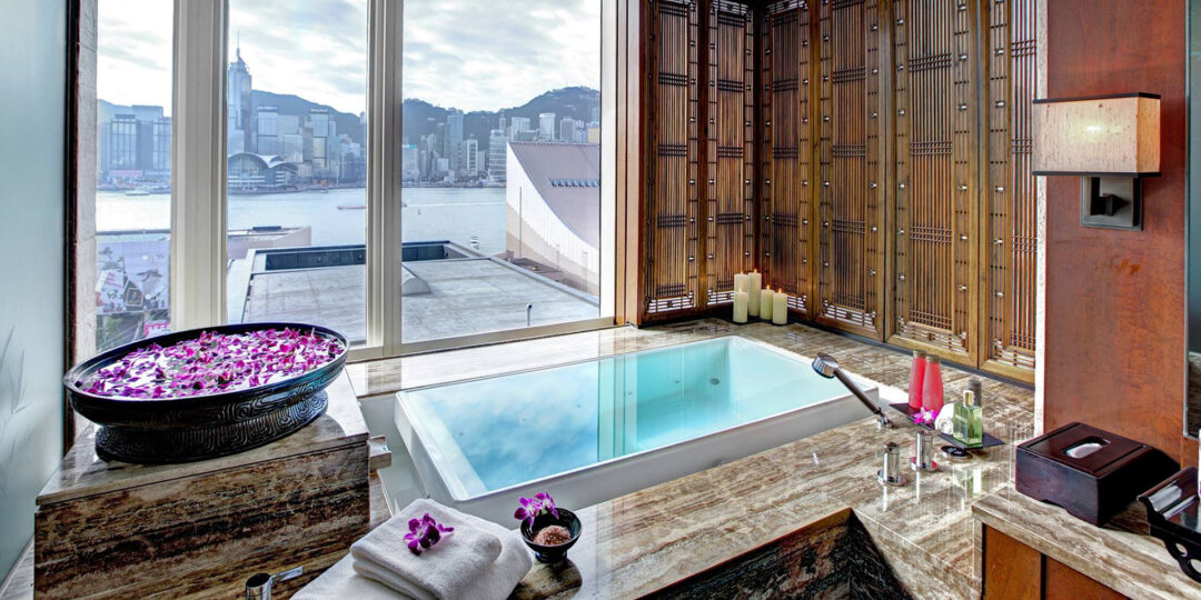 Splish Splash, Taking a Bath in 10 Luxury Hotel Bathtubs in Asia