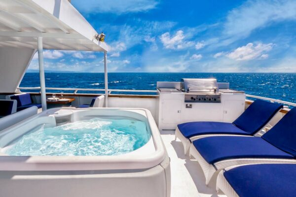 All Hands on Deck for 5 Luxury Asia Yachting Journeys You'll Love