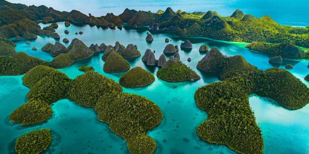 Five Otherworldly Nature Experiences in Raja Ampat