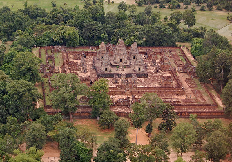 Prasat Pre Roup is a little known and rarely visited temple that is beaufiful from the air.