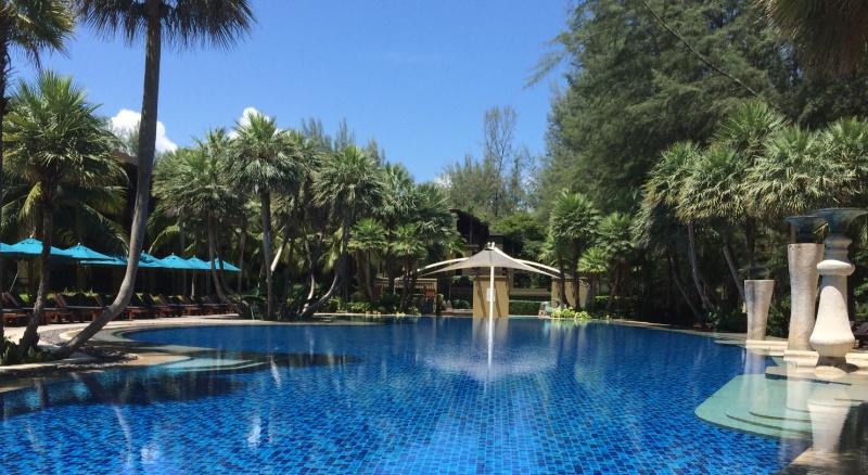 The pool at Anantara Si Kao