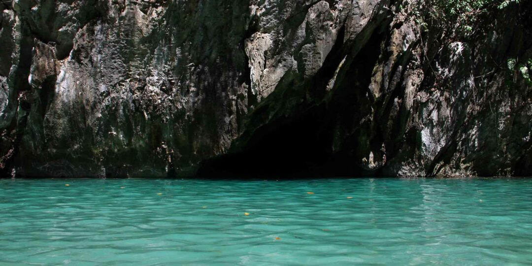 Smugglers' Hideout: Trang's Emerald Cave