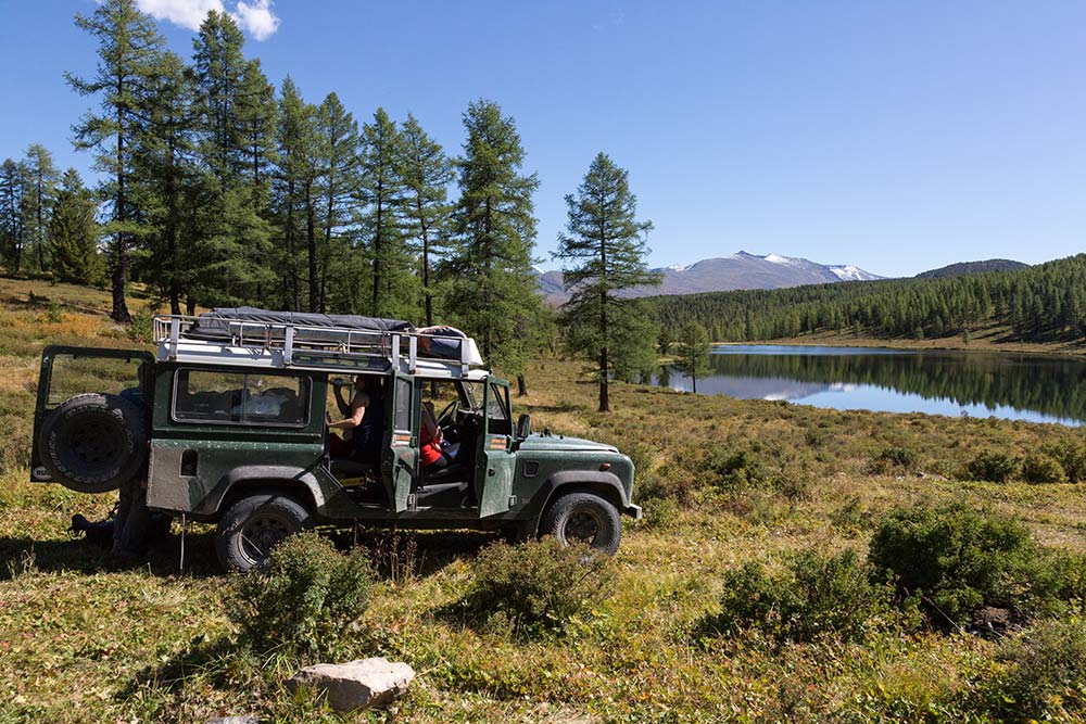 One of our Land Rovers on the shores of Abchidon Lake.