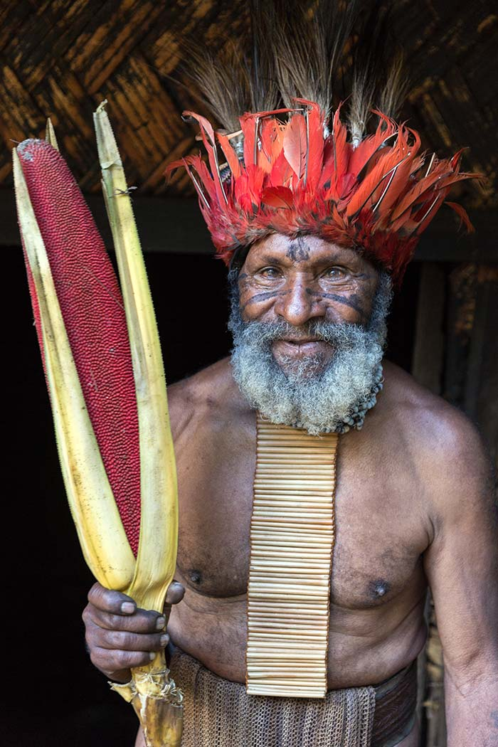 An old man from Nogopa tribe who told us he killed three enemy villagers in the past.
