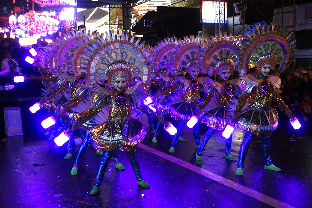 Finalists at the Electric Masskara Elimination.