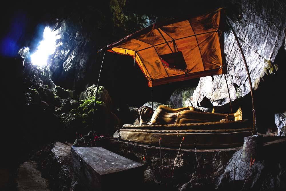Tham Pafa, or the Buddha Caves