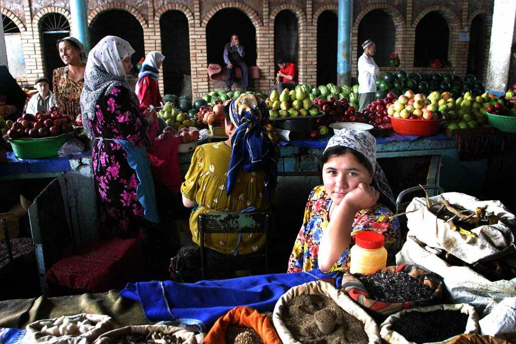 Produce_market_in_Tajikistan
