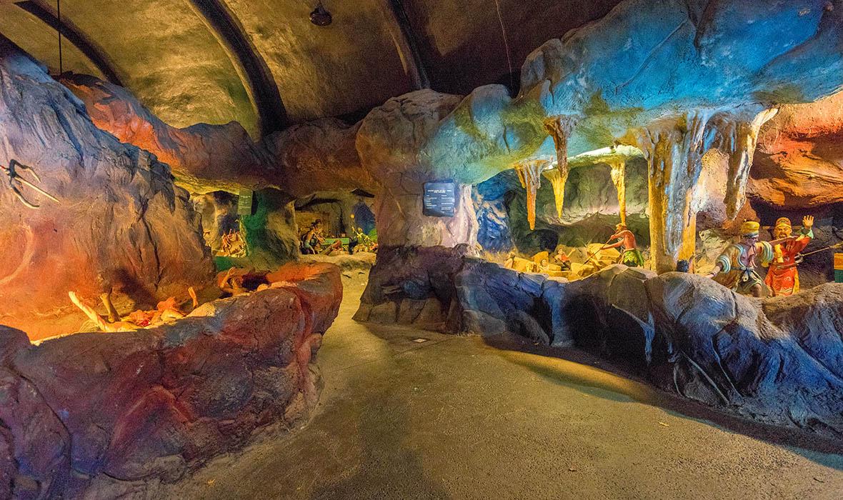 Hell and History at Singapore's Haw Par Villa - Travelogues