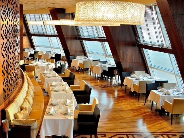 18 floor Restaurant_00