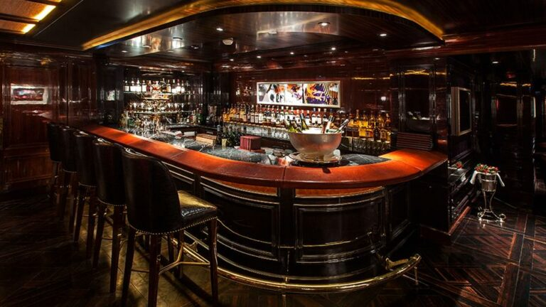 phk-the-bar-interior-1074b