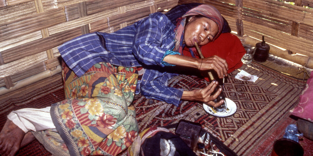 25-Year-Old Images of Myanmar's Opium-Fueled Shan State