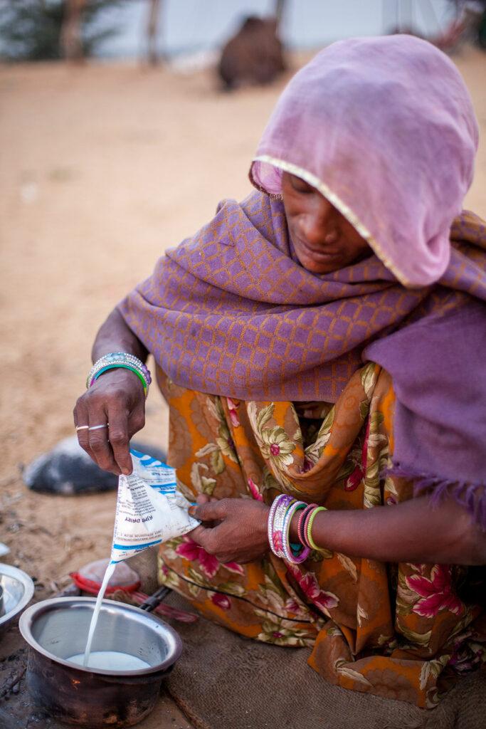 3---Women-making-chai