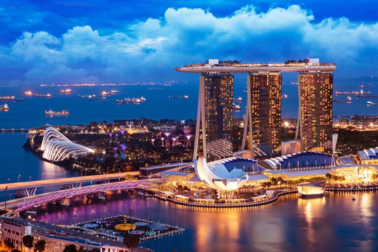 The iconic Marina Bay Sands skyline.