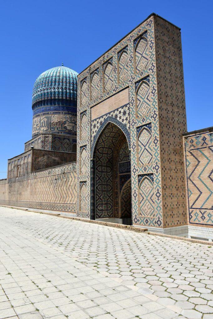 Bibi-Khanym Mosque.