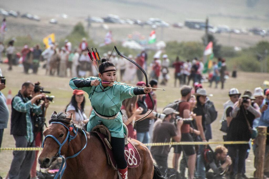 Archery,-Mongolia-(2)