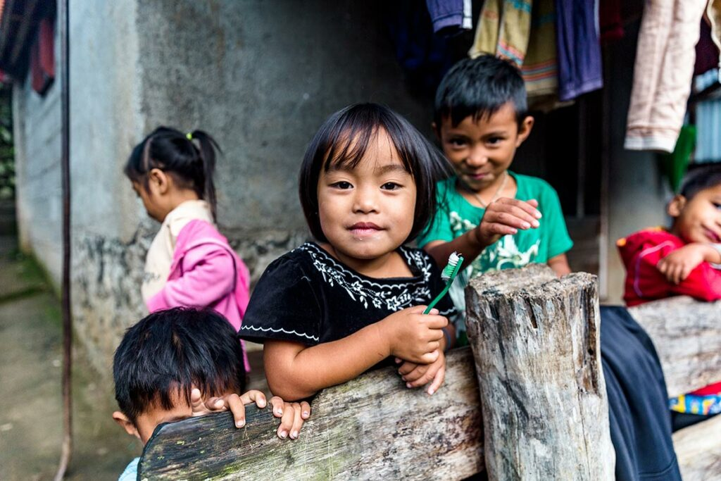 Ifugao-children-in-a-tradiitonal-village